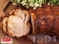Рецепта Маринован шпикован свински врат с мед и горчица печен на фурна